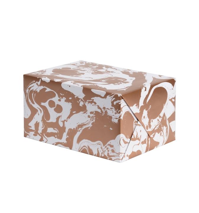 Geschenkpapier weiß mit goldenem Muster